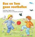 Bas en Tom gaan voetballen